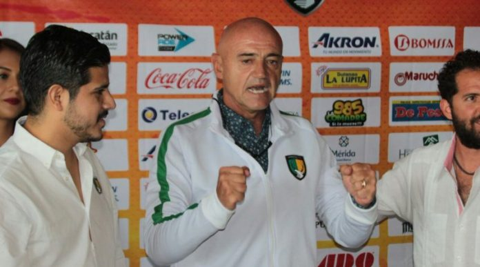 José Luis Sánchez Solá presentado como entrenador de los Venados.jp